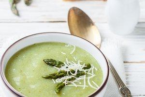 Asparagus soup puree