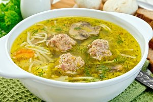 Soup with meatballs and noodles