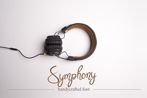 Symphony. Handycrafted font