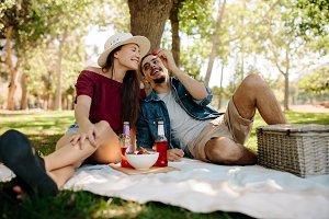 Romantic date at park