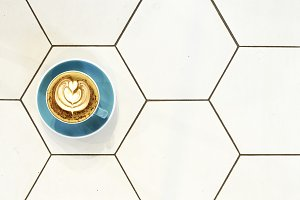 concept minimal Coffee overhead