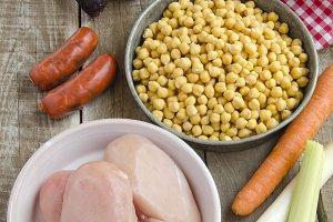 garbanzos,verdura y carne