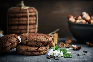 round chocolate cookies