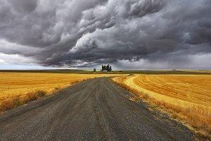 TThunder-storm above Montana