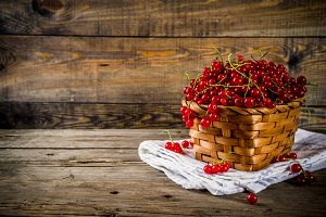 Red currant in basket