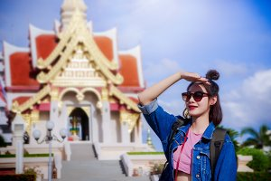tourist girl's travel wat thai