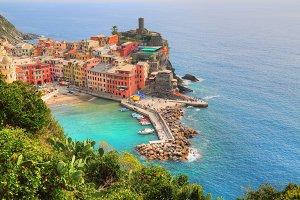 Scenic Vernazza shoreline