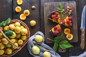 apricots and pieces of cheesecake