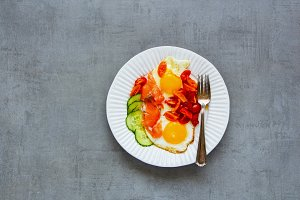 Smoked salmon and fried eggs