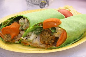 falafel with vegetables lavash wrap cup to two pieces
