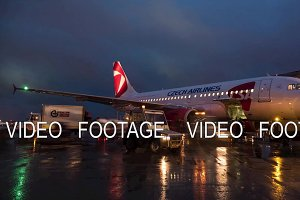Timelapse of luggage loading onto Czech Airlines aircraft, Sheremetyevo Airport