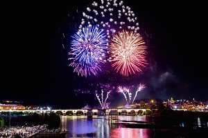 Fireworks over the river Guadiana