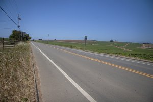 Highway Strawberry Fields (Photo)