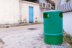 Green recycling bin container or gar