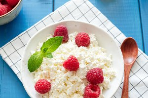 Ricotta with raspberries