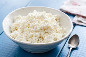 Ricotta or cottage cheese
