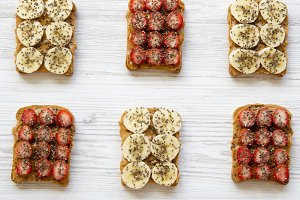 Toasts with peanut butter, fruits