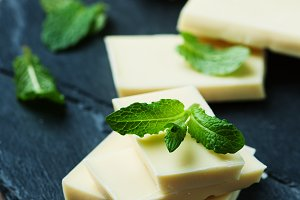 White chocolate with mint