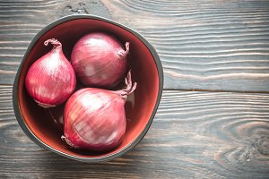 Bowl of red onions