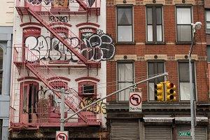 Manhattan street architecture