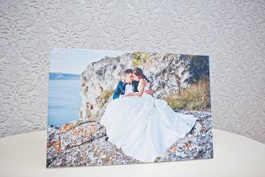 Picture on canvas of wedding couple
