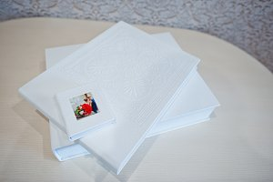 White wedding album and photobook