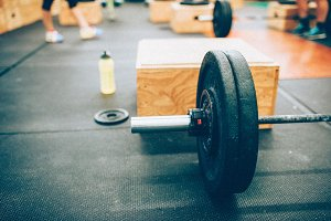 CrossFit Barbell, Box, Weights