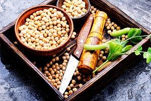 Chickpeas, the basis of vegetarian c