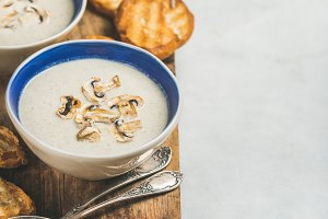 Healthy dinner with creamy mushroom soup and toasted bread