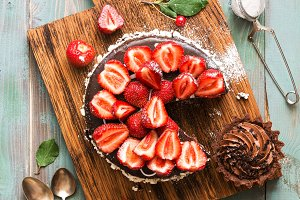 Chocolate cake with strawberries and