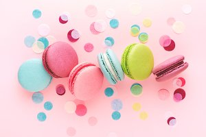 Colorful sweet macarons & confetti