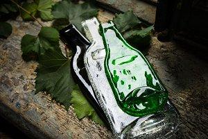 Bottleshaped glass plates
