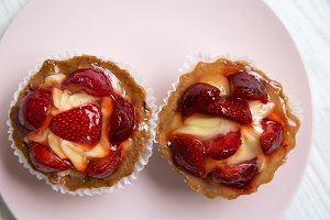 Strawberry vanilla cream cheese
