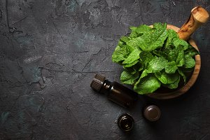 Essential oil of peppermint in a sma