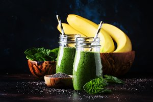 Healthy detox green smoothies with s