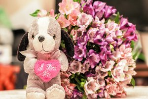 I love you toy dog and bouquet