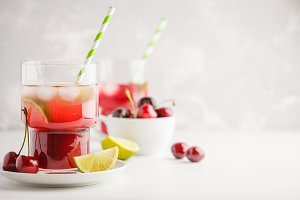 Cherry juice with ice and lime