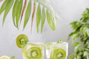 cocktail with kiwi, lemon and mint