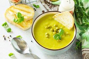 Diet menu. Puree soup green peas wit