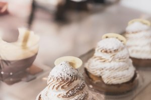 Tartlet with Italian meringue and