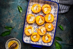 Peaches with cheese and honey