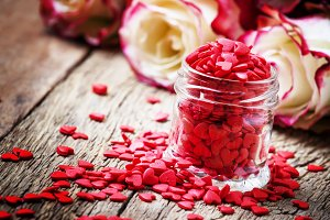Red sweet heart in glass jar, Valent