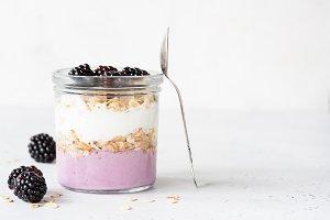 Yogurt parfait with blackberries