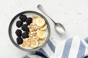 Breakfast smoothie bowl with granola