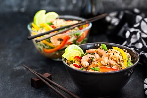 Delicious asian rice glass noodles w