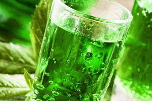 Green drink with soda, tarragon and
