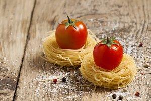 Fidellini dried pasta and fresh orga