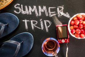 overhead flat lay summer trip text o