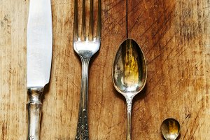Set of cutlery: spoon, fork, knife i