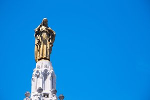 Statue of Sacred Heart of Jesus, Bil